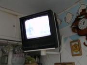 цветной б/у телевизор с диагональю 34 см