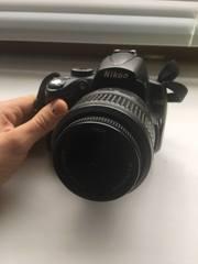 Продаю Nikon D5000 Kit 15-55 Black