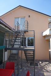 Добротный дом с современным ремонтом в с .Вапнярка