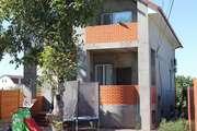 Новый дом расположен на хорошей застроенной улице с.Корсунцы