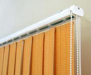 Горизонтальные и вертикальные жалюзи,  рулонные шторы.