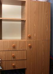Продается стенка Юниор б/у в хорошем состоянии,  цвет орех.