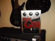 Продам бас гитарную педаль автовау+драйв